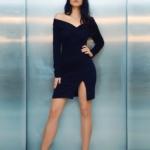 Business-Frau im kurzen Kleid